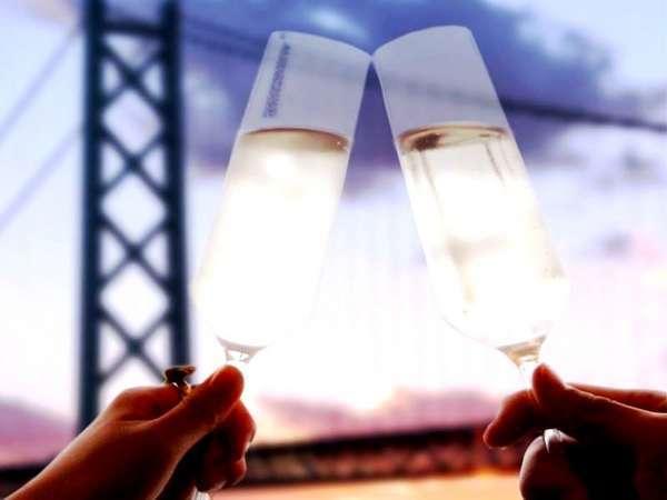 【アニバーサリー】誰もが見とれる絶景と極上ディナーで祝福を/ディナー窓側席確約/ホールケーキ&花束付