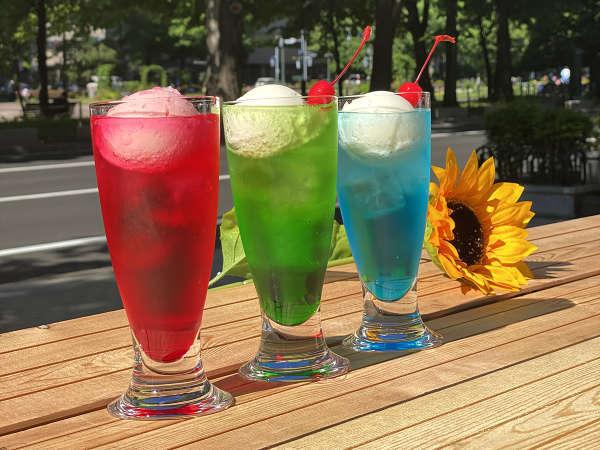 夏におすすめ!昭和のレトロなクリームソーダ <ご利用時間> 10:00~16:30(最終入店16:00)