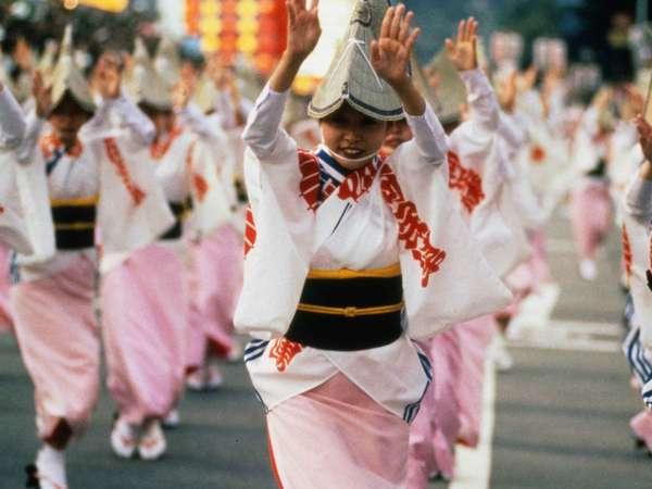 毎週金土に、あわの抄では阿波踊りが見れる。