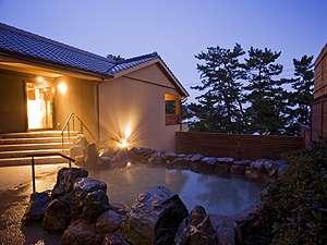 新スパ「海音の森」の露天風呂。