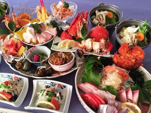 鰹のたたき付海幸満載おまかせ皿鉢料理