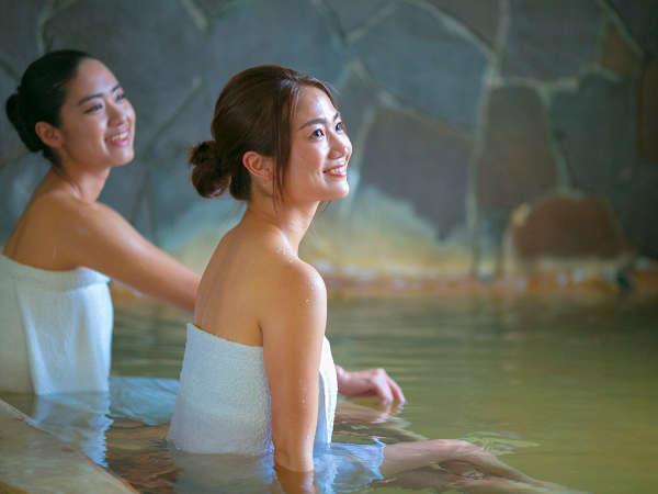 館内の大浴場は自家源泉でとっても癒やされます。