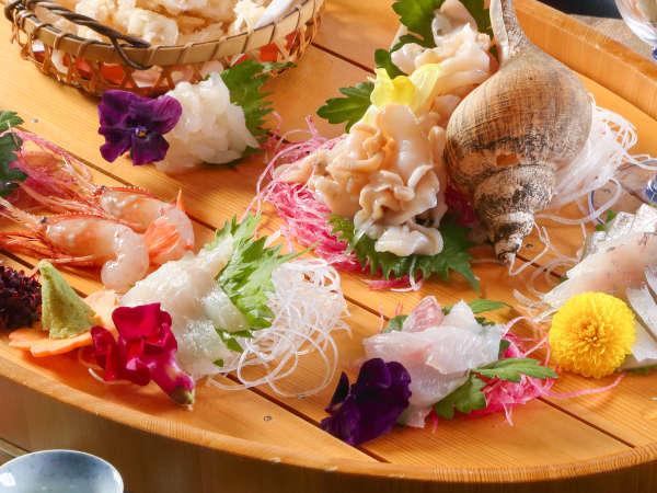 800種の水揚げのある富山湾のお魚をおけ盛りでご堪能♪