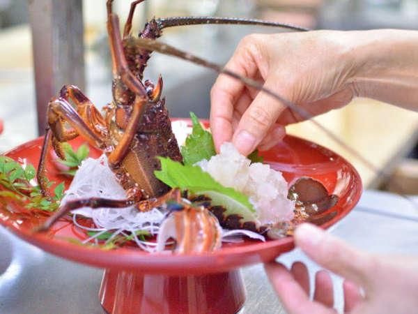 伊勢海老本場和具で食す海老料理(お造り・サラタ゛・天ぷら・具足煮・マヨ焼・焼海老・茶碗蒸し)和牛付