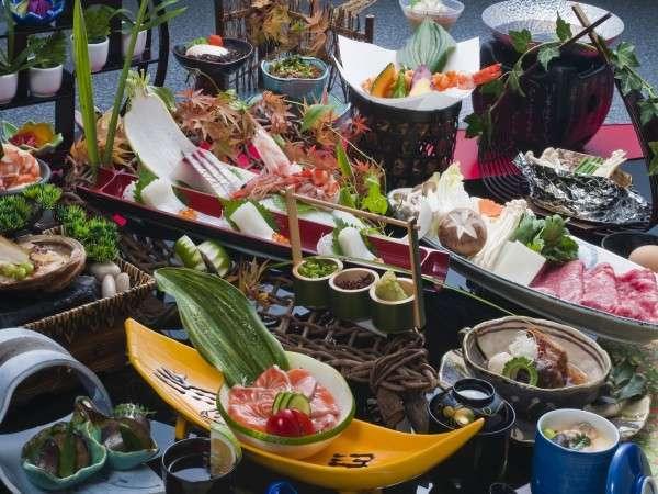 秋そして冬の会席料理が登場です!量・質ともに大満足の内容となっております!ぜひご賞味ください♪