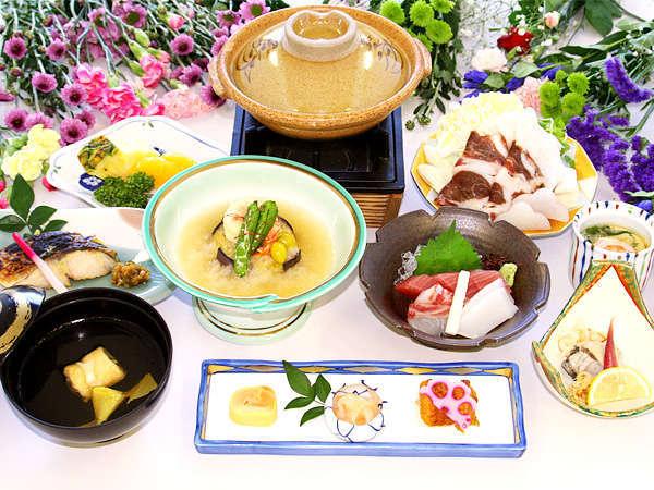 冬■「花懐石」名物「僧兵鍋」に蟹茶碗蒸し、牡蠣なますに霙餡掛けの揚げ出汁など湯の山の美味しい旬味。