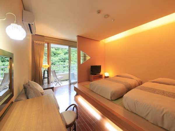 【客室一例】別館露天風呂付き客室(ツイン)…やわらかな雰囲気のお部屋は快適さに富んだレイアウトです。