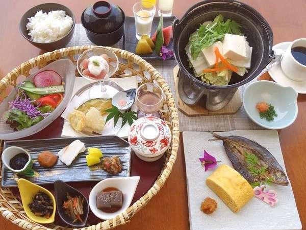 個別膳の朝食イメージ