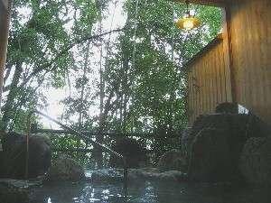 渓流と竹林を望む露天風呂☆静かなひとときを・・♪