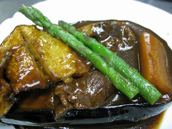 観月華膳~牛シチュー、米茄子 温かいうちにどうぞ召し上がって下さいませ。