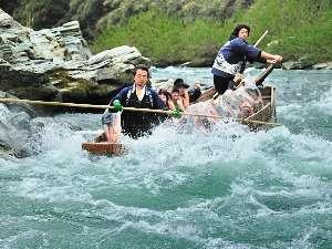 【長瀞ライン下りチケット付き】 川面に映る自然に感動♪うきうき、ドキドキ、ワクワク川下り