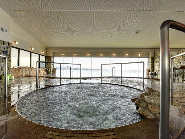 *【大浴場】地下400mの源泉から供給するお湯は加水なし!湯上がり後にぽかぽか温まると好評です。