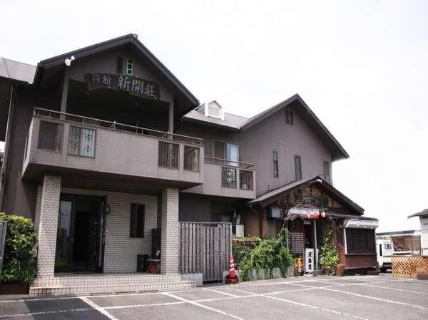 JR日豊線高城駅より徒歩7分。自然豊かで観光スポットも満載、観光やビジネス滞在にぴったりな施設です。