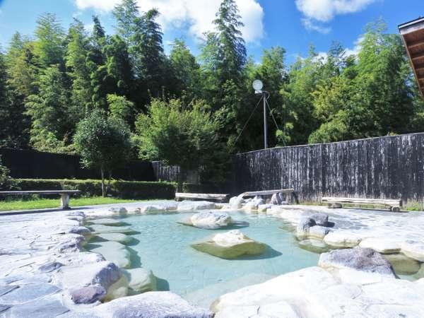 トロトロすべすべな泉質は美肌の湯として地元の人にも人気