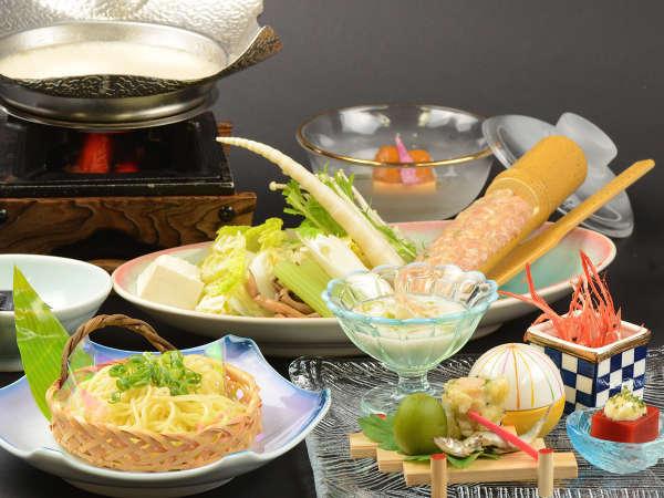 【当館人気!】雲上の秘湯!乳白色の温泉と旬の料理を満喫◎1泊2食スタンダード