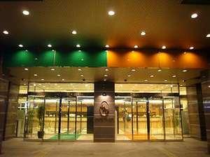 東横イン中部国際空港本館グリーンサイドの外観