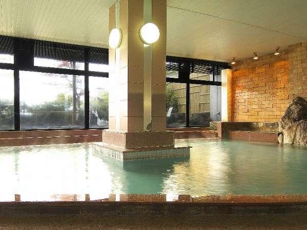 湯畑源泉が掛け流されている男性用大浴場