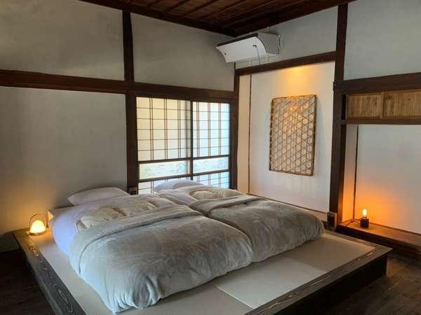 寝室-シングルベッド-