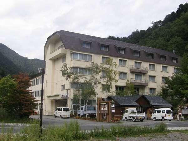 奥日光湯元 湖畔の宿 湯の家の外観