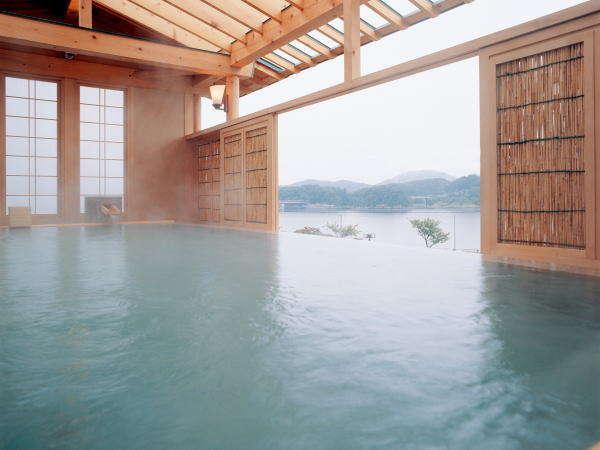 絶景の露天風呂 「檜の湯」