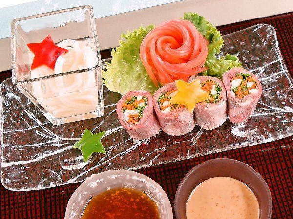 つなぎ温泉料理コンテスト優勝!県産和牛冷しゃぶ彩り野菜巻