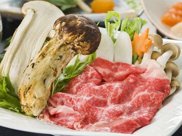 9月~10月の南部曲り会席には「松茸と和牛のすき焼き」が付きます!!