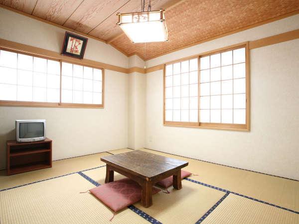 *和室8畳一例/1~2名様でご利用可能な純和風のお部屋。一人旅、ご夫婦にお勧めです。