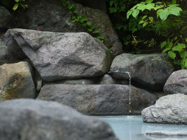 【露天風呂イメージ】大自然の中沢山の温泉をご満喫ください