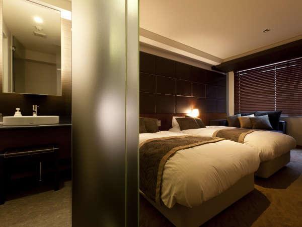 【洋モダン】おかげさまで大好評いただいている洋モダン客室。洋風でカップルにオススメです