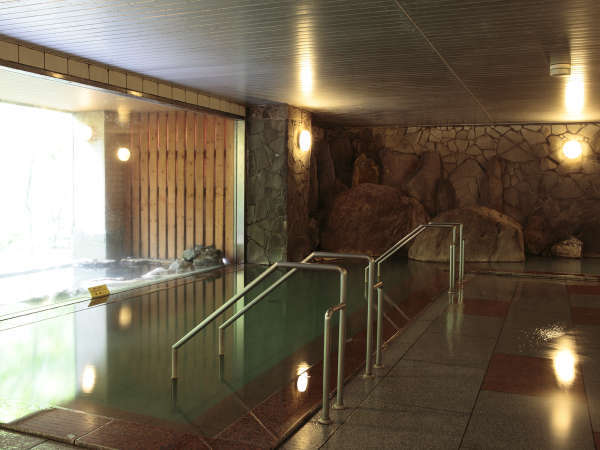 【大自然の湯「川の囁き」】岩をテーマにした大浴場でリラックス