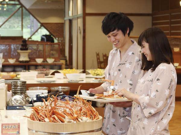 【おすすめの過ごし方】5.夕食はズワイガニも食べ放題の和洋中バイキング