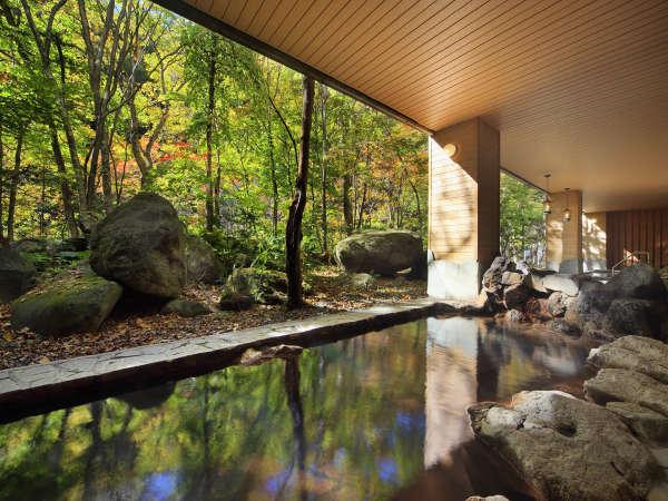 【大自然の湯「川の囁き」】自然の中にとけこんだような気分で温泉を満喫できます