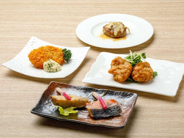 【KURODAKE】<朝食>鮭の塩焼き vs ホッケの西京焼き、鶏肉ザンギ(醤油味)など