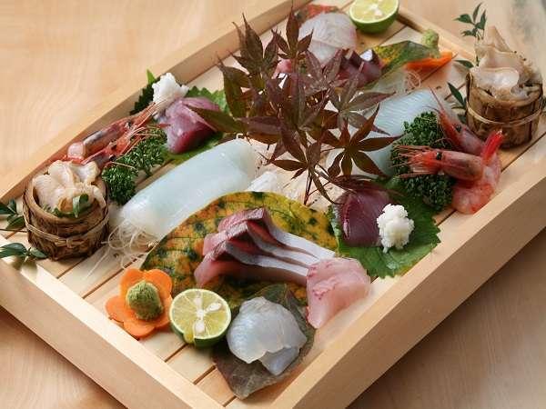 新鮮な魚介たっぷりのお刺身をどうぞ!