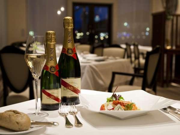 【アニバーサリーディナー】フレンチフルコース+グラスシャンパン、ケーキ、花束など記念日特典付きプラン