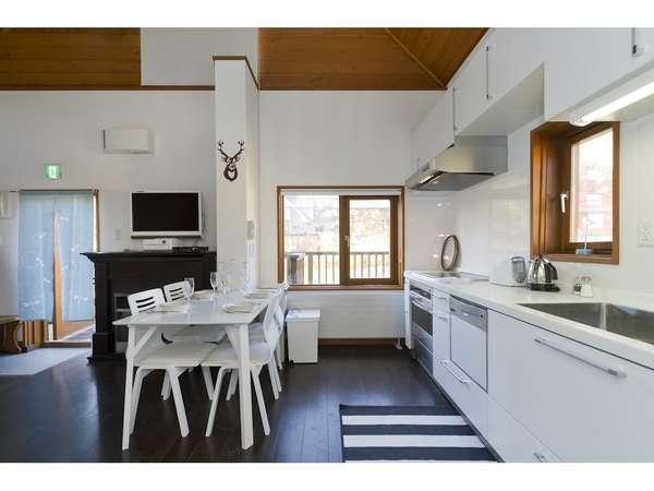 キッチンエリア:コンパクトのまとまった充実の機能
