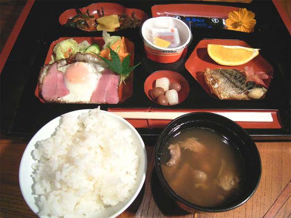 *ご朝食一例。温泉宿ならではの和朝食をお楽しみ下さい。