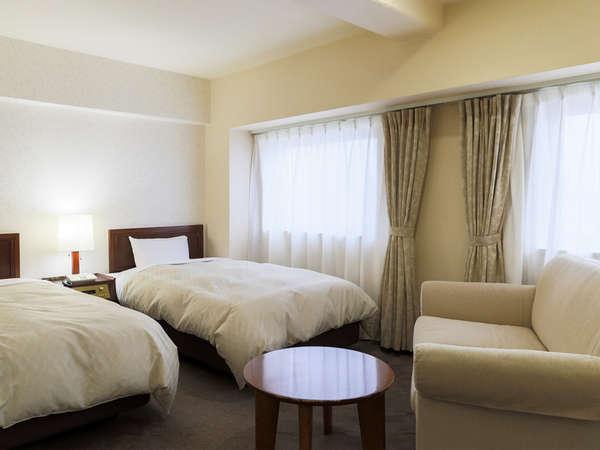 《デラックスツインルーム》客室面積 26m2 / ベッドサイズ 113×195cm