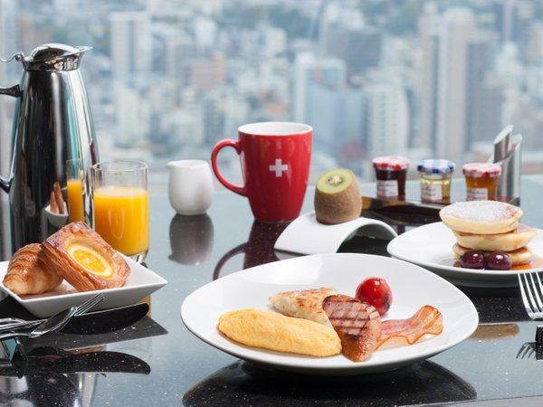 【スイス バリュー】 最上階「タボラ36」での朝食付
