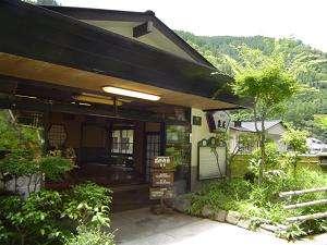 純和風旅館 泉屋の外観
