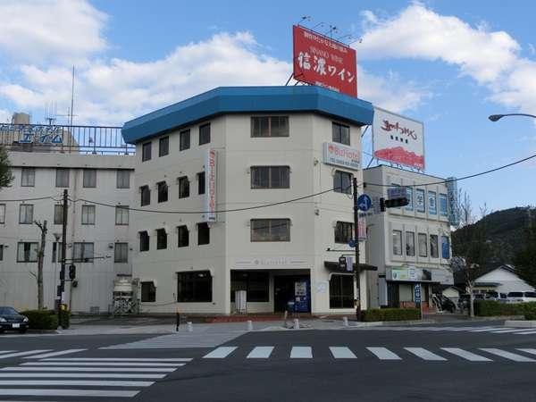 Biz Hotel 塩尻駅前の外観