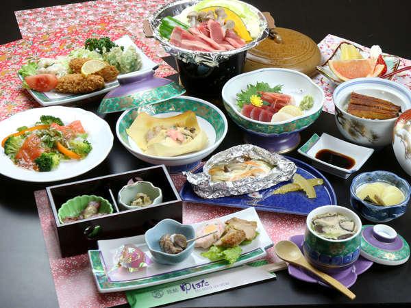 *四季折々の食材を活かした料理。季節の味覚をお楽しみください。