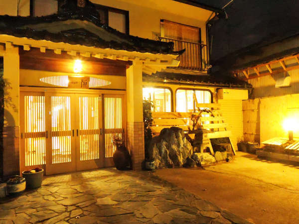喜多方の宿 あづま旅館の外観