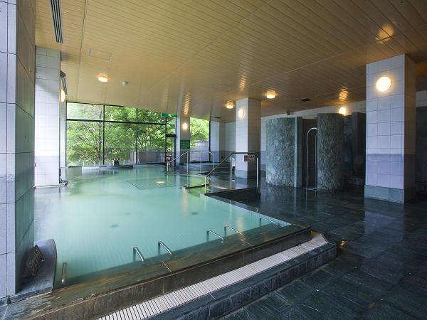 広々、青々とした大浴場!!自慢の温泉です。