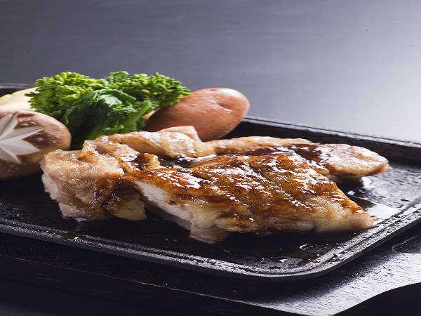 ホテル秘境の湯:阿波尾鶏と野菜のグリル 一人前1260円