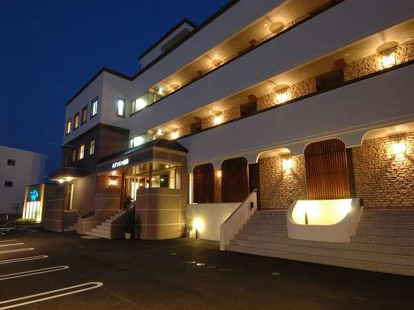 リゾートホテル ルアンドン白浜の外観