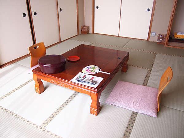 心和む和室♪全室オーシャンビューです。客室内にてWi-Fi(無線LAN)がご利用いただけます(無料)