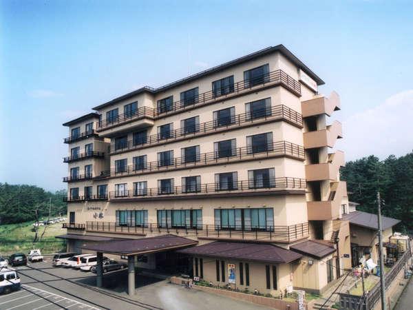 ロイヤルホテル小林の外観