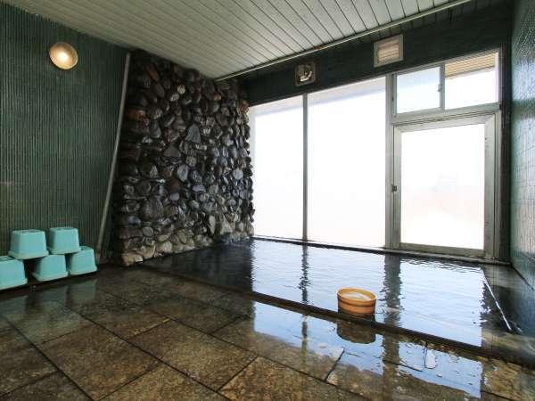 24時間入浴OK!湯の花が浮く本物の源泉かけ流し温泉