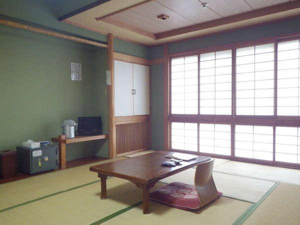 *【客室例】畳のお部屋で足を伸ばしてのんびり…